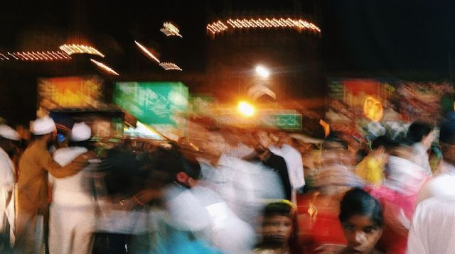 Aadhaar Pay Crowd at Night