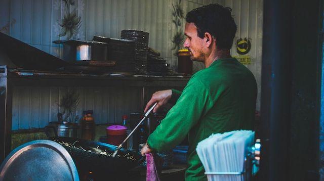 Aadhaar Pay Man Cooking