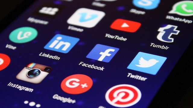 Handphone home screen showing social media apps